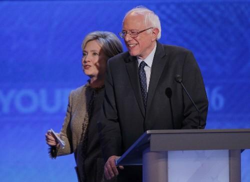 Democrats Debate in New Hampshire: Pictures