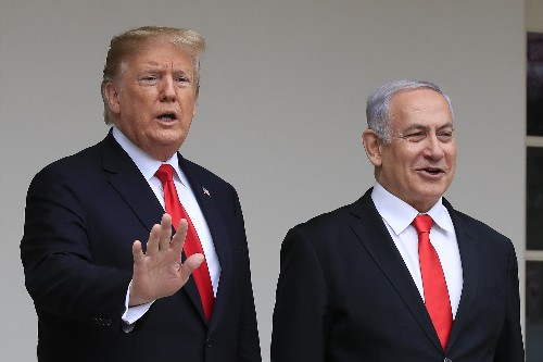 Trump hosts Israeli leaders who call his peace plan historic