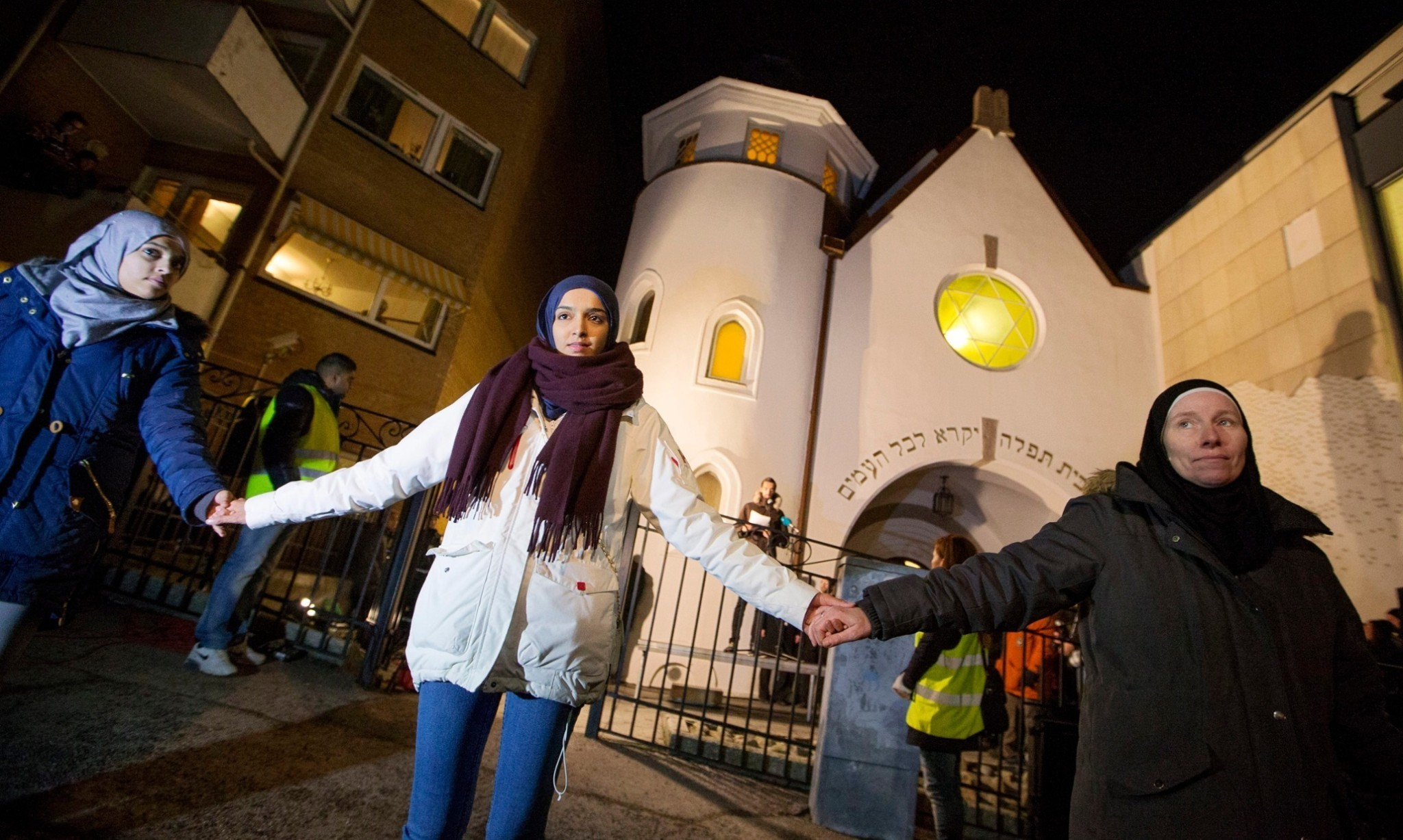 Norway's Muslims and Jews link up to denounce extremist violence