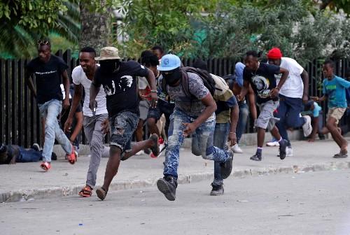 Gunfire rocks Haitian capital in Carnival police protest