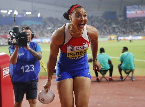 Cuba's Perez rewarded for persistence with discus gold