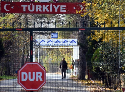 Turkey deports American IS suspect stuck at Greek border