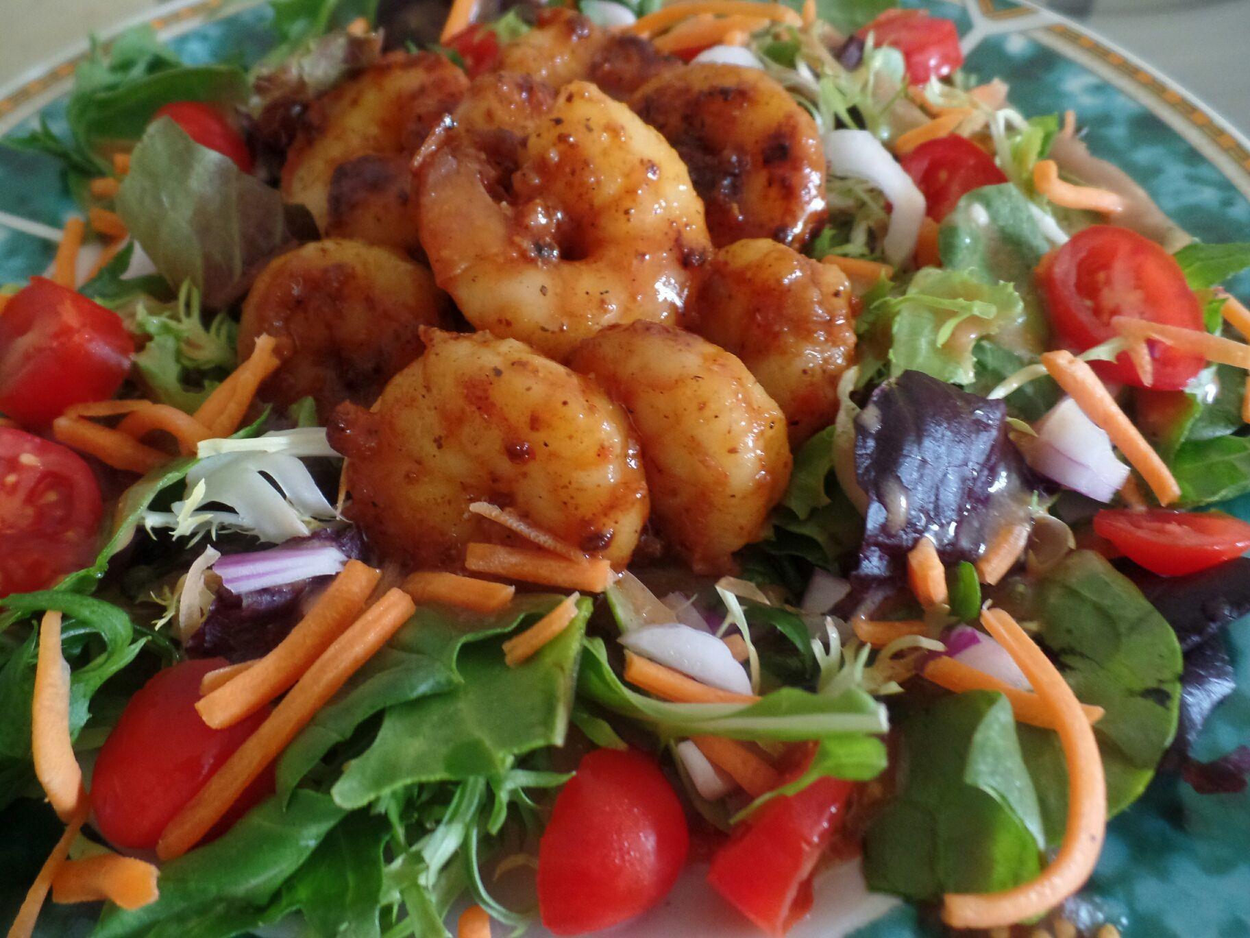 The best bbq shrimp salad ever!! #ilovesalad #iloveshrimp #foodpic #foodgasm #foodporn #foodie #foodpedia #foodhunter #foodbloggers #eatwell #eathealthy #healthyeats #healthyfood #healthyeating #healthyfoods #realfood #detroitfoodnetwork #detroitfoodie #detroitfoodies #detroitfood #delish #delicious #deliciousfood #deliciousfoods #deliciousness #instafood #foodnetwork #owntv #wholefoods