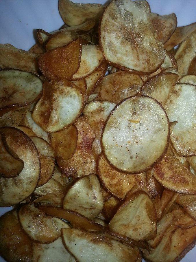 Garlic and Sea Salt Homemade Potatoe Chips