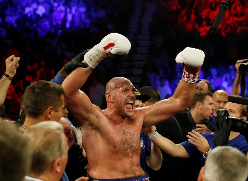 Fury downs Schwarz in second round TKO