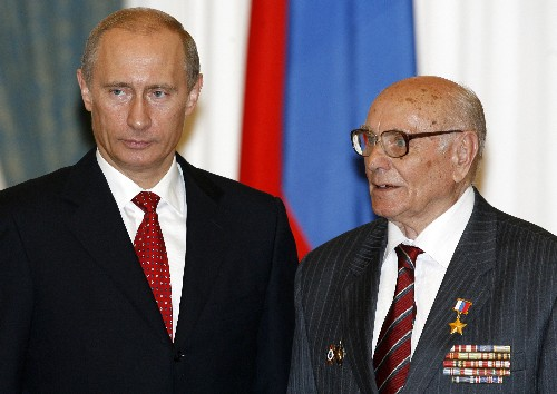 Russian WWII intelligence veteran Botyan dies at 103