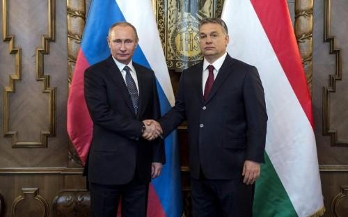 Vladimir Putin accuses Ukraine of stoking violence to win support from Donald Trump