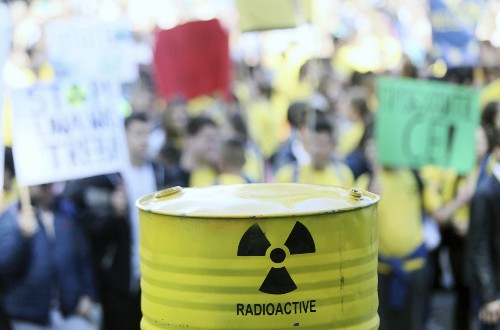 Bosnians protest Croatian plans for nuclear waste facility