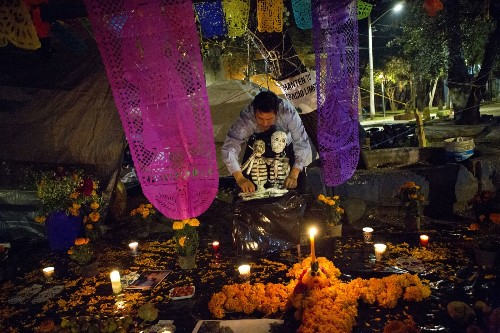 All Saints' and Day of the Dead Celebrations: Pictures