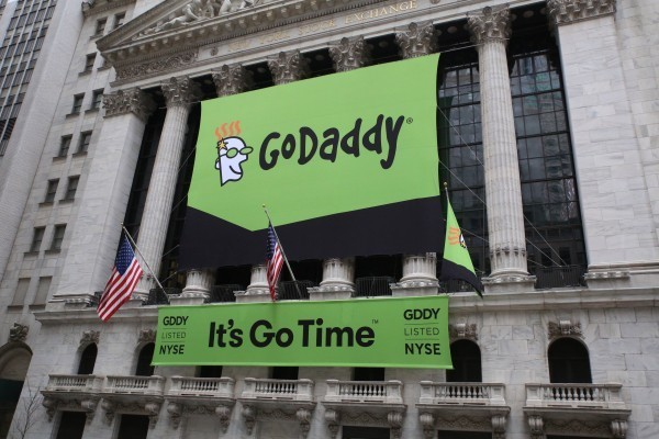 GoDaddy to move most of its infrastructure to AWS, not including domain management for its 75M domains