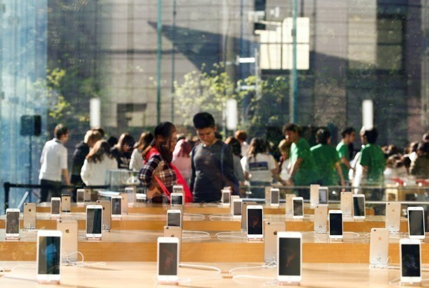 Smartphones Rule the Internet