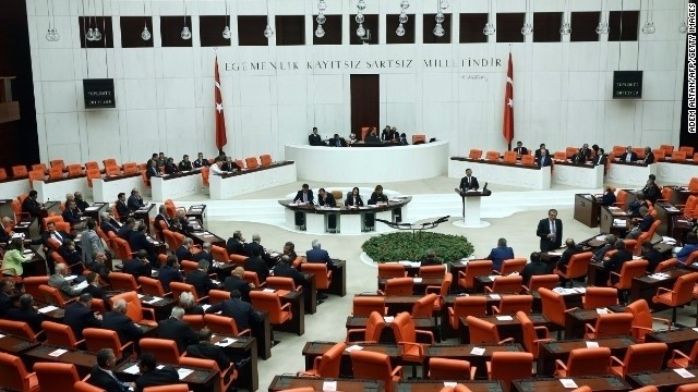 Turkey lawmakers approve ISIS military action