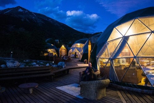 Village of Geodesic Domes Offers a Tech-Free Getaway in Rural Patagonia