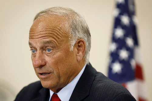 Even as some cringe, Rep. Steve King's support may endure