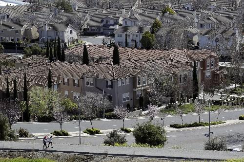 Poll: Rural/urban political divisions also split the suburbs