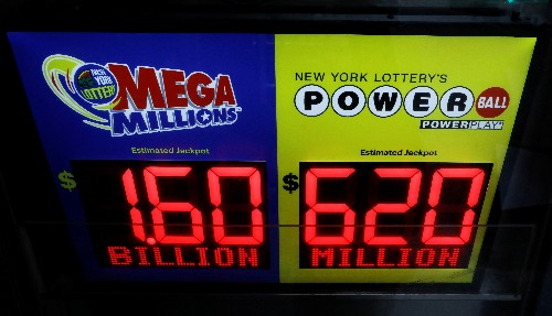U.S. gets lottery fever as jackpots rise to $2.2 billion