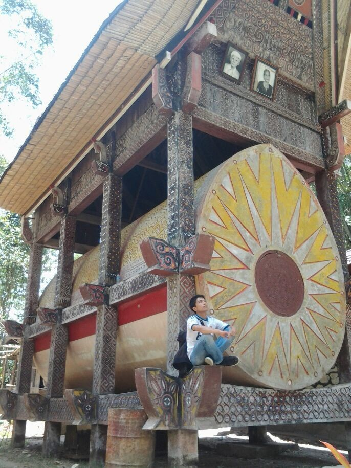 the biggest coffin that ever been in toraja.