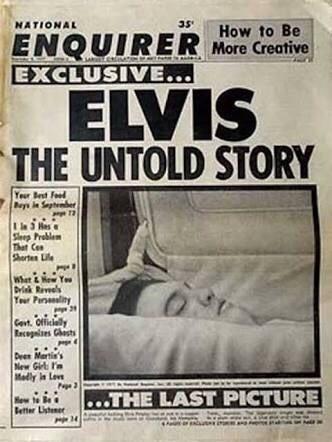 """Por qué murió Elvis? Memphis). El cantante norteamericano Elvis Presley murió el 16 de Agosto de 1977, a los 42 años, como consecuencia de un ataque cardíaco. Elvis Presley fue encontrado en el suelo del cuarto de baño por su novia, Ginger Alden. Según el investigador médico, Presley había """"tropezado o había avanzado lentamente varios pasos antes de morir."""" Fue declarado oficialmente muerto a las 15:30 p.m. en el Hospital Conmemorativo Bautista."""