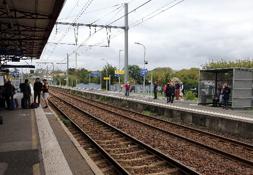 French rail routes disrupted by strike over train security