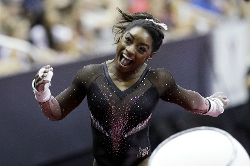 Simone Biles soars to 6th US gymnastics title