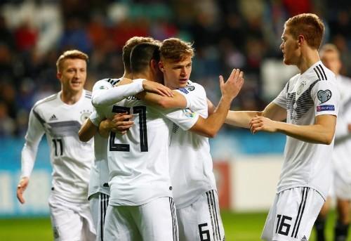 L'Allemagne assure et se rapproche de l'Euro