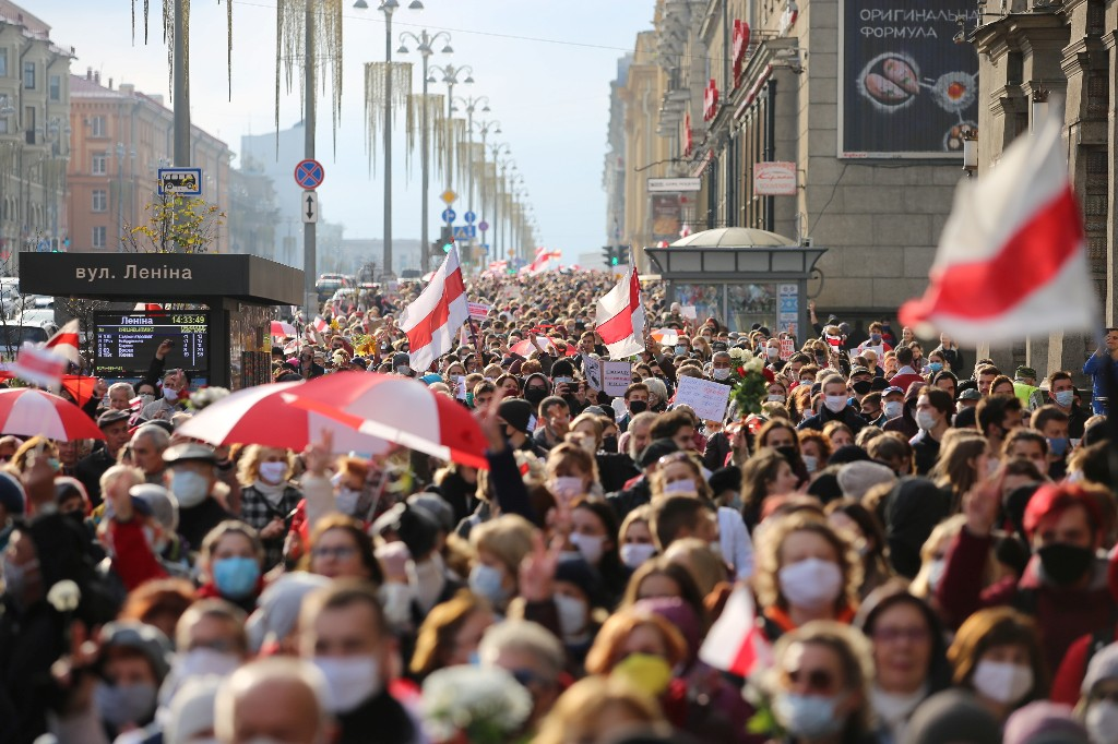 """Протесты в Белоруссии не утихают, несмотря на угрозу Лукашенко """"оставить без рук"""" их участников"""