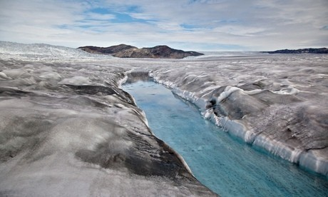 Dark snow: from the Arctic to the Himalayas, the phenomenon that is accelerating glacier melting