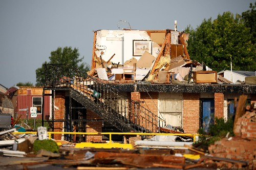 Tornado tears through Oklahoma community, killing at least two