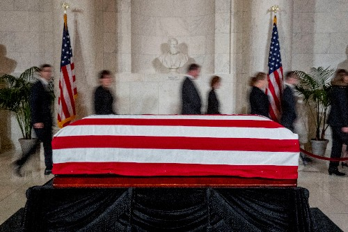 Trump, justices pay respects to late U.S. jurist Stevens