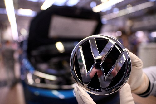 Romania initiates new talks with Volkswagen over car plant: report