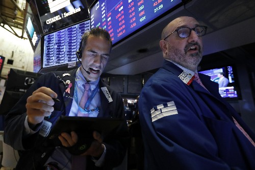 US stock indexes shake off an early loss and close higher