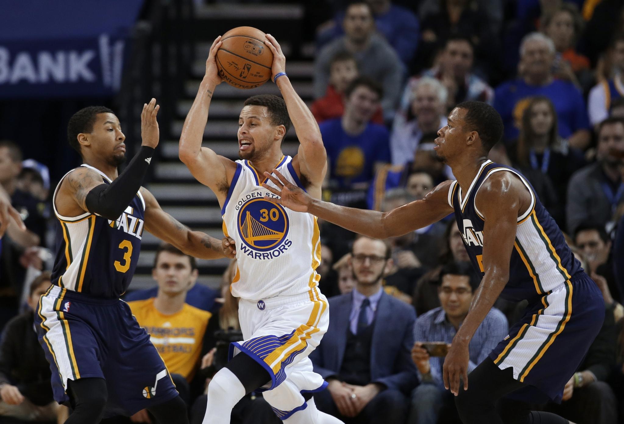 LeBron, Cavaliers await Christmas rematch against Warriors