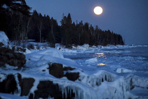 Super Snow Moon in Pictures