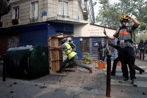 Worst of yellow vest economic impact in France yet to come: Senate