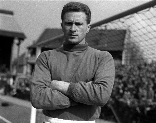 Gregg, former Man United player and Munich hero, dies at 87