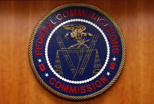 Major tech firms, internet providers clash over U.S. net neutrality rules