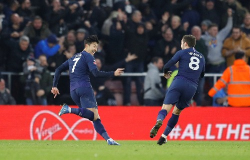Saints hold Spurs with late leveller, Bilic downs West Ham