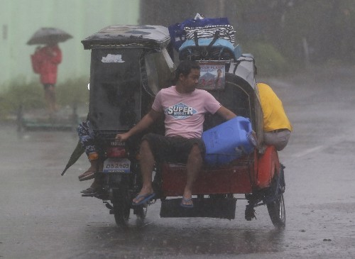 Typhoon Slams Philippines: Pictures
