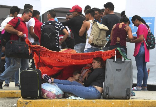 Venezuelans rush to Peru before new requirements take effect