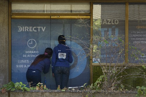 AP Exclusive: AT&T under pressure to defy Maduro's censors