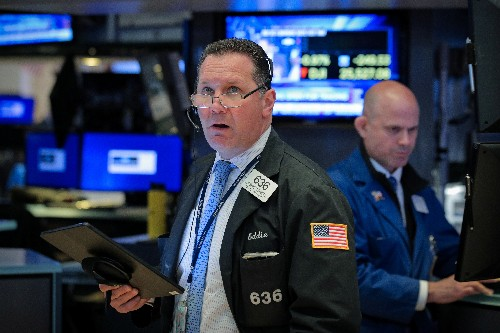 Futures tumble on fears of possible U.S.-China tech cold war