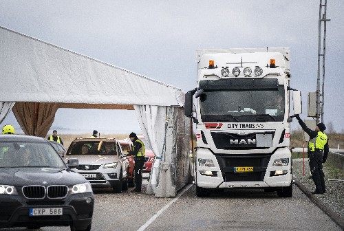 Denmark starts border checks at crossings to Sweden