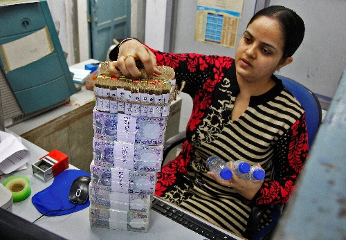 Indian banks' loans rose 8.1% in two weeks to November 8 - RBI