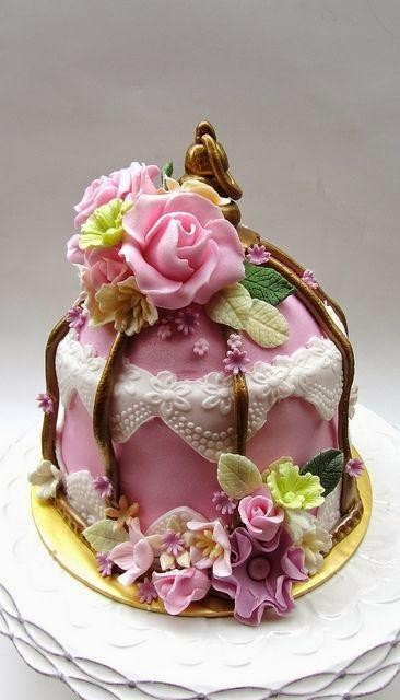 AMAZING CAKES & COOKIES  - cover