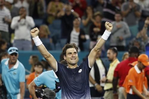 Ferrer stuns Zverev, Federer fights back in Miami