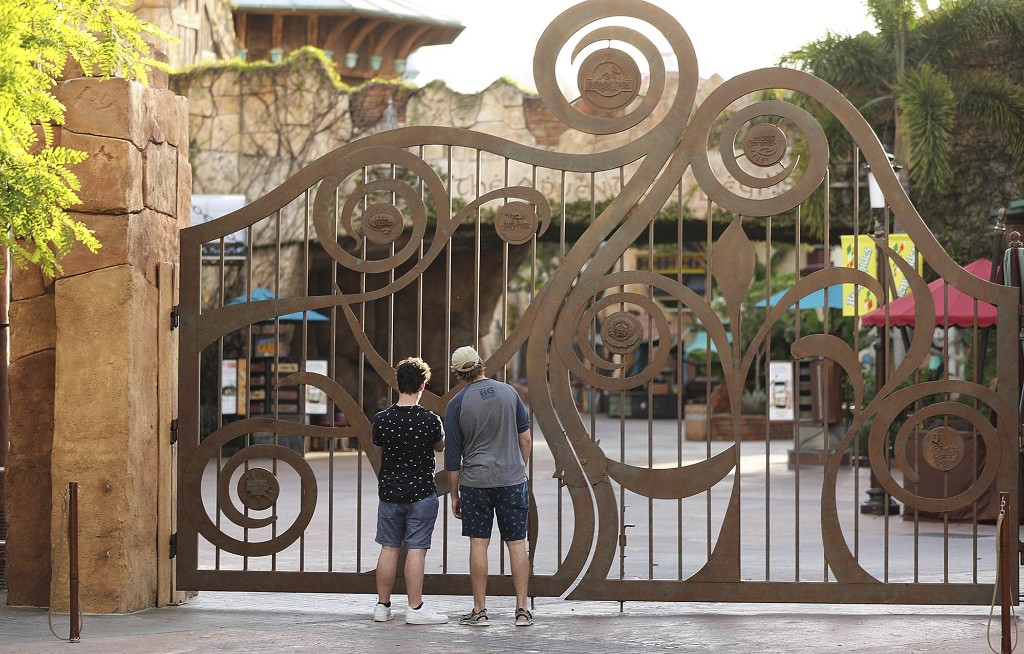Universal Orlando seeks to reopen theme parks in early June