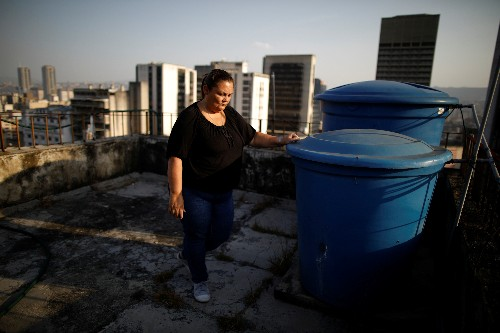 Wider Image: Water is now gold for desperate Venezuelans