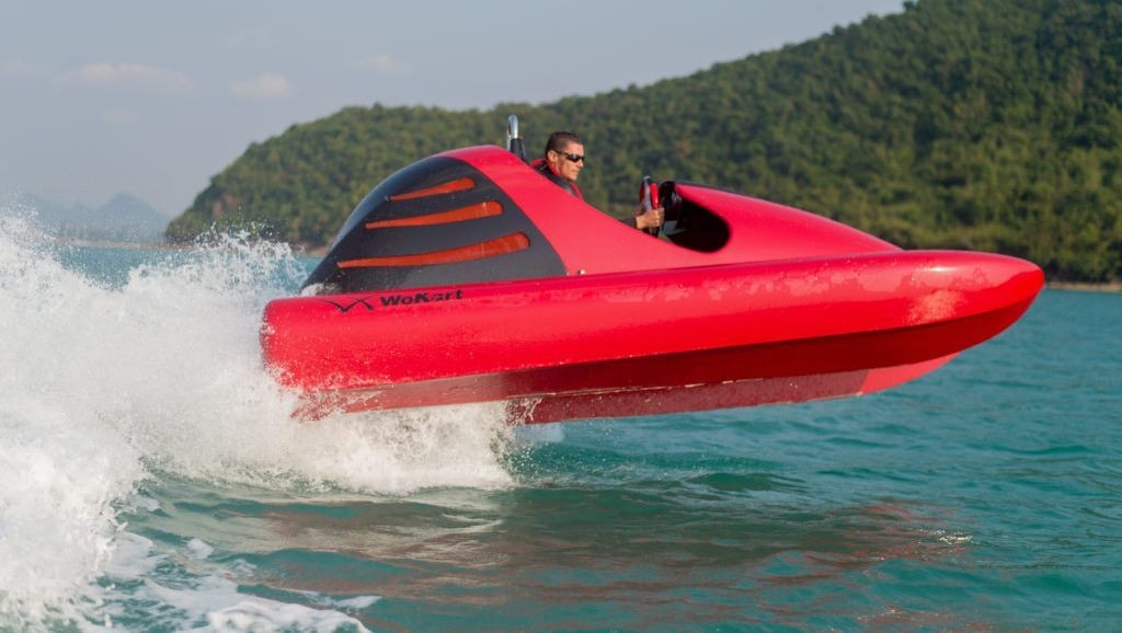 This water go-kart reaches 40MPH