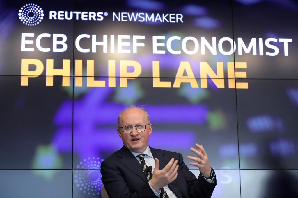 EZB-Chefvolkswirt nährt Spekulation über Ausweitung der Krisenhilfen