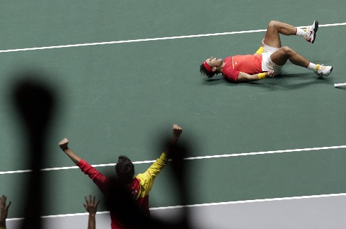 Spain beats Britain to face Canada in Davis Cup final